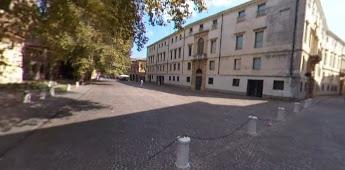 Piazza Eremitani